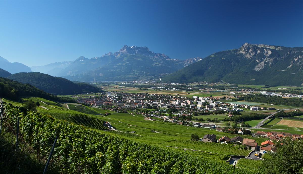 La ville d aigle saint maurice tourisme valais suisse for Camping de la piscine aigle